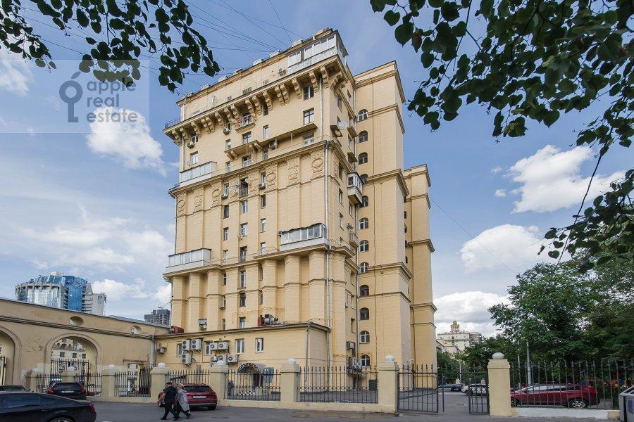Photo of the house of the 2-room apartment at Kutuzovskiy prospekt 25