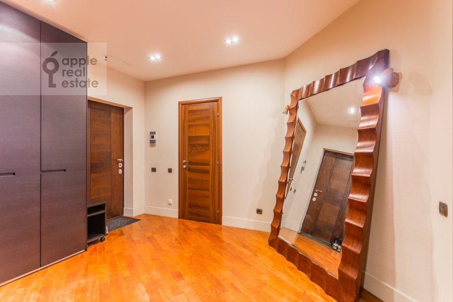 Corridor of the 4-room apartment at 7-y Rostovskiy pereulok 15