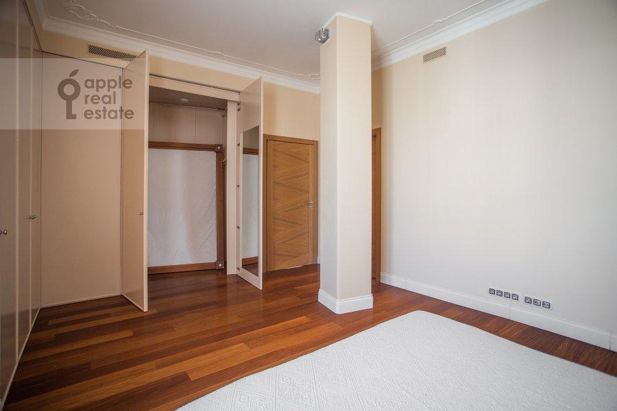 Спальня в 3-комнатной квартире по адресу Большой Гнездниковский переулок 3