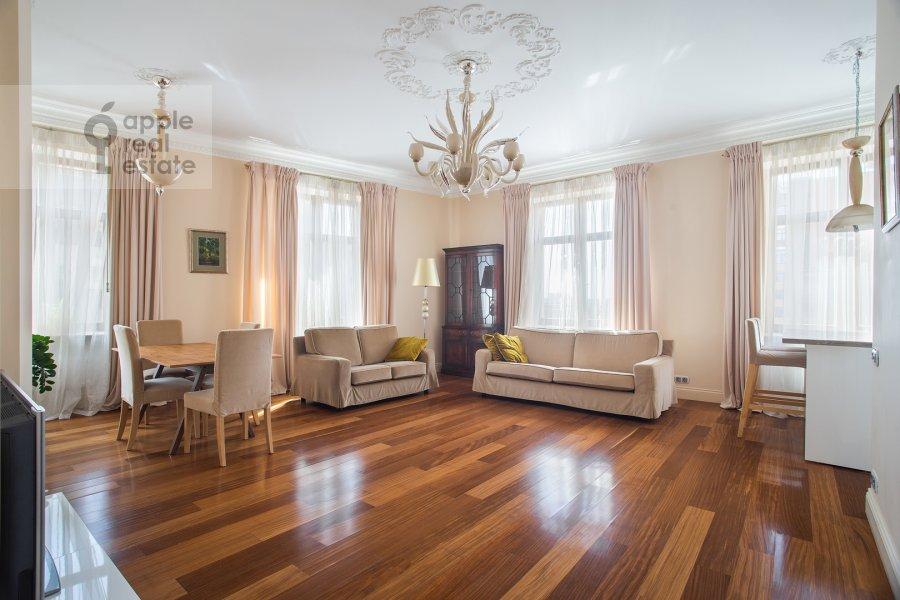 Гостиная в 3-комнатной квартире по адресу Большой Гнездниковский переулок 3