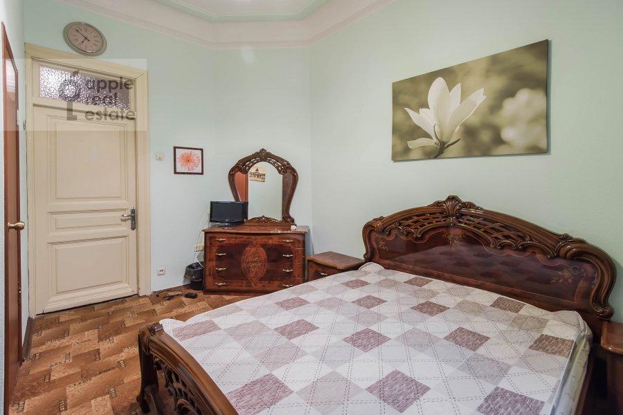 Bedroom of the 5-room apartment at Gogolevskiy bul'var 33/1