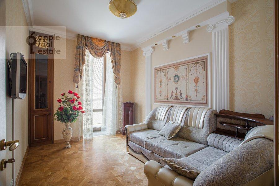 Children's room / Cabinet of the 3-room apartment at Butikovskiy pereulok 5