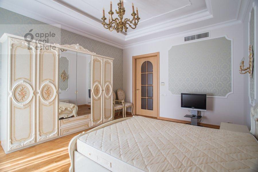 Bedroom of the 3-room apartment at Butikovskiy pereulok 5