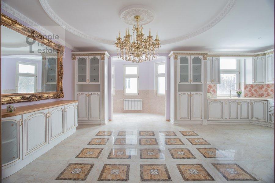 Kitchen of the 6-room apartment at Serpukhovskiy Val 21k4