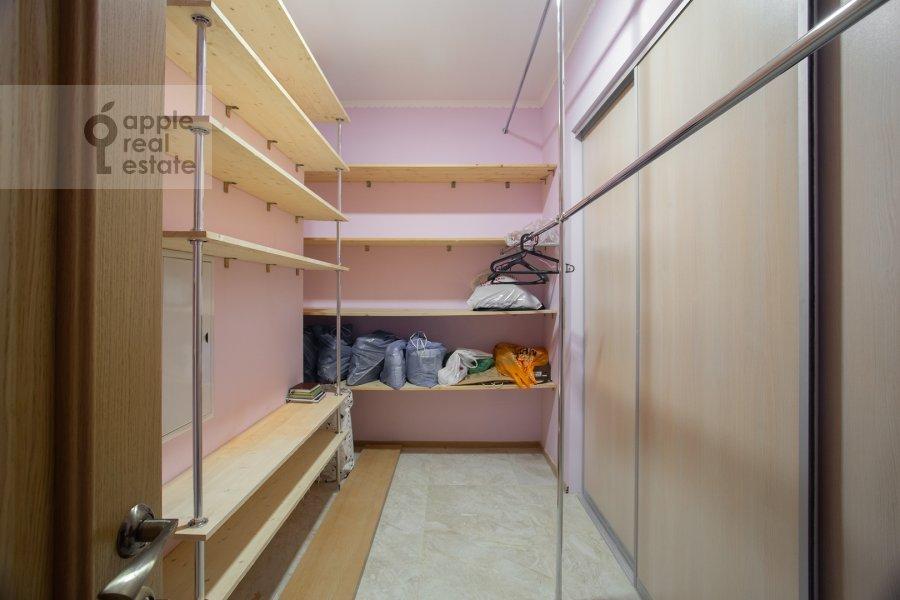 Walk-in closet / Laundry room / Storage room of the 6-room apartment at Serpukhovskiy Val 21k4