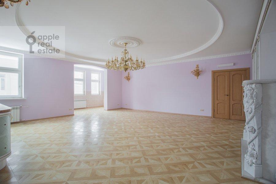 6-room apartment at Serpukhovskiy Val 21k4