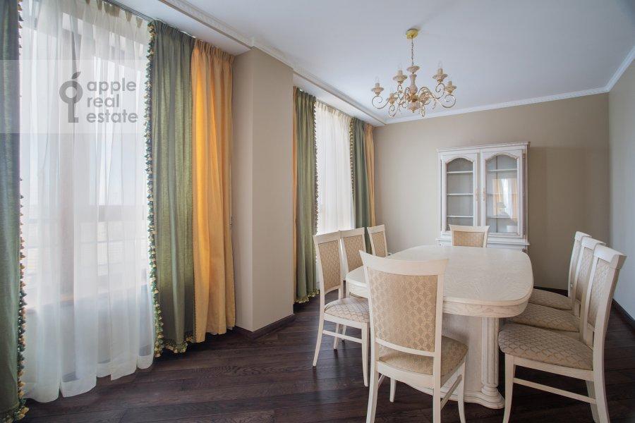 Гостиная в 5-комнатной квартире по адресу Иваньковское шоссе 5