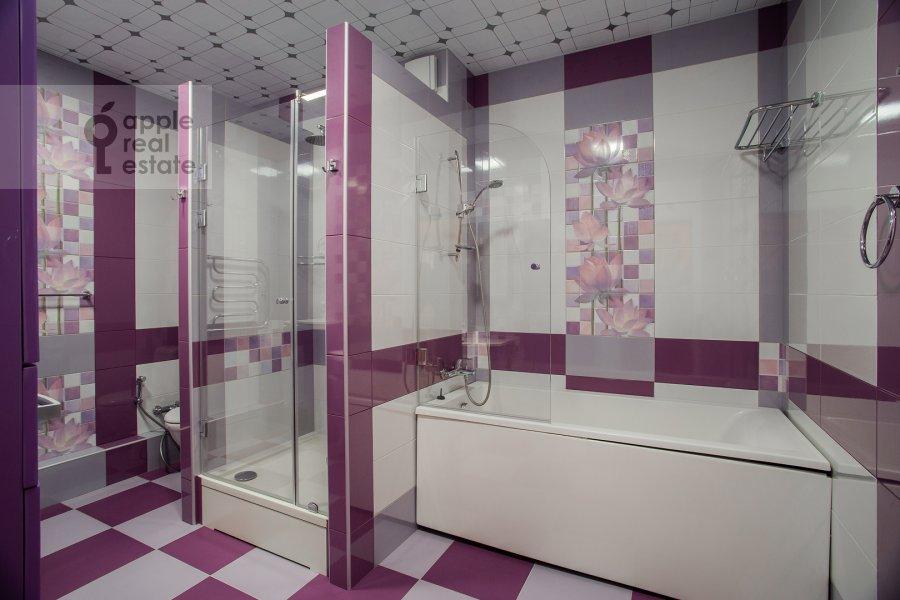 Санузел в 5-комнатной квартире по адресу Иваньковское шоссе 5