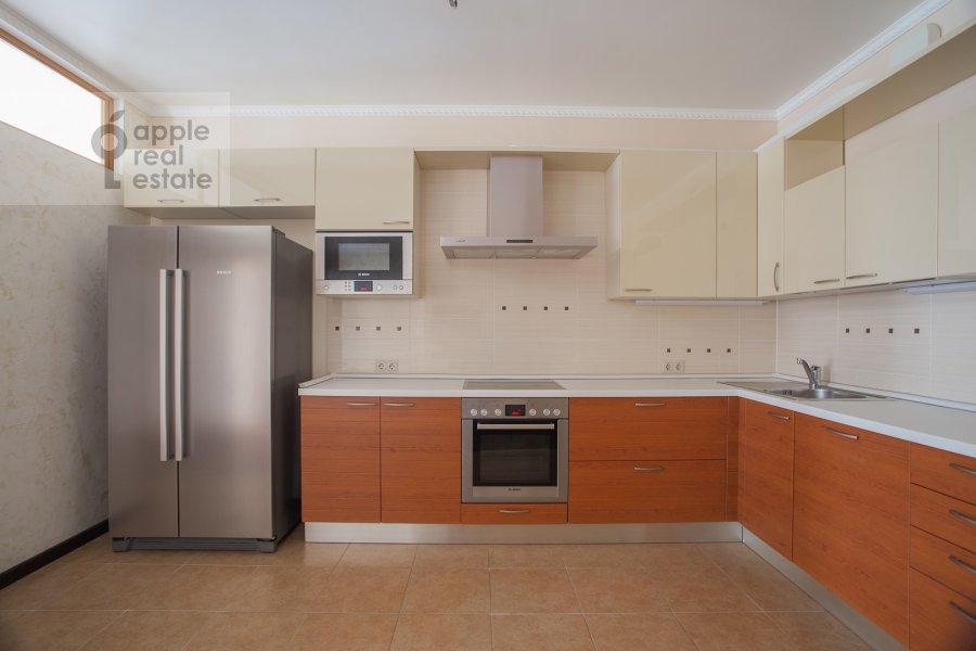 Кухня в 5-комнатной квартире по адресу Иваньковское шоссе 5