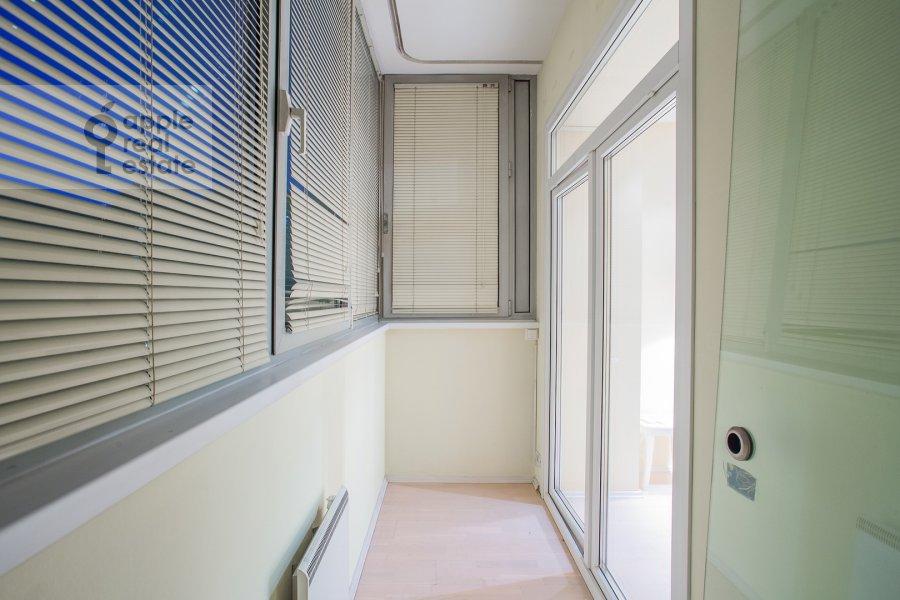 Балкон / Терраса / Лоджия в 4-комнатной квартире по адресу Звенигородская улица 8к1