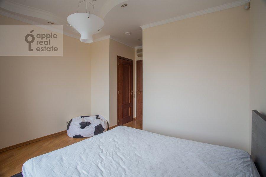Bedroom of the 4-room apartment at Krylatskie Kholmy 33k3