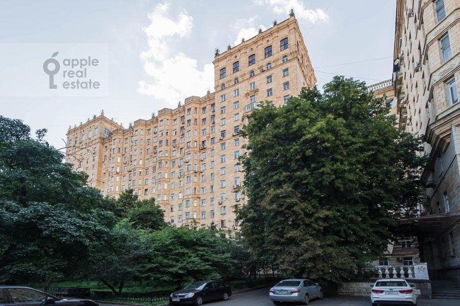 Photo of the house of the 2-room apartment at Frunzenskaya naberezhnaya 50