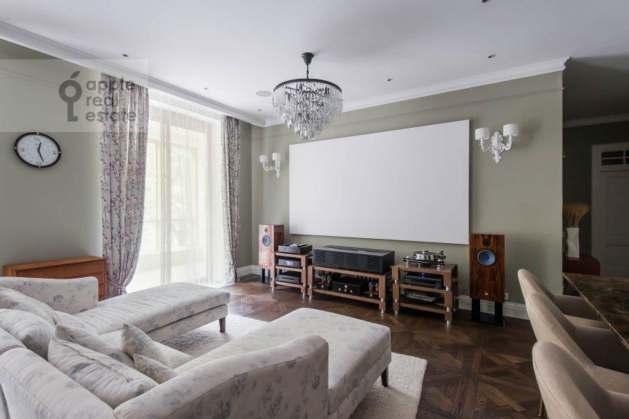 Living room of the 6-room apartment at Smolenskiy bul., 24k3