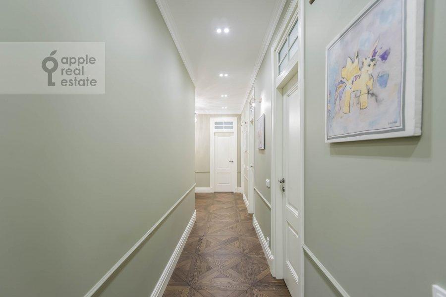 Corridor of the 6-room apartment at Smolenskiy bul., 24k3