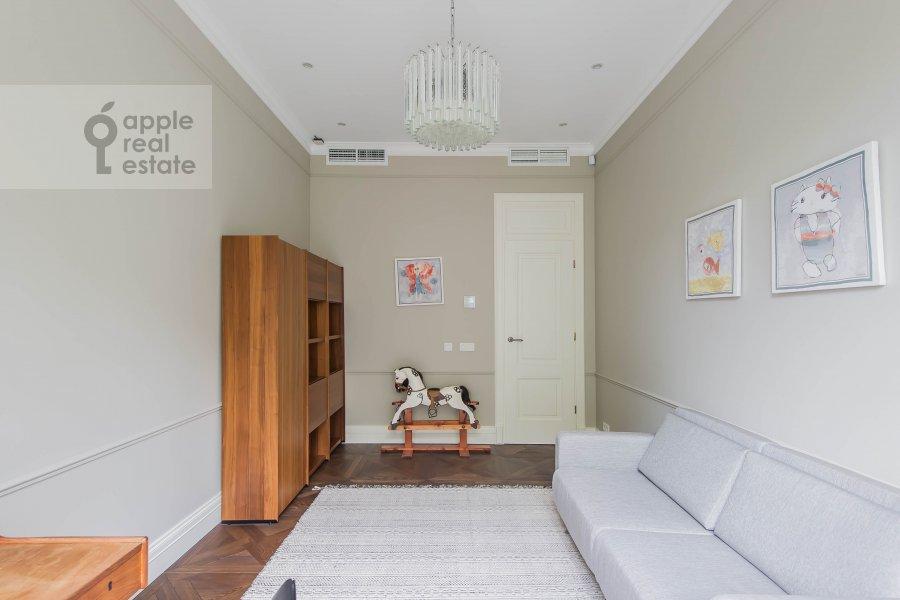 Children's room / Cabinet of the 6-room apartment at Smolenskiy bul., 24k3