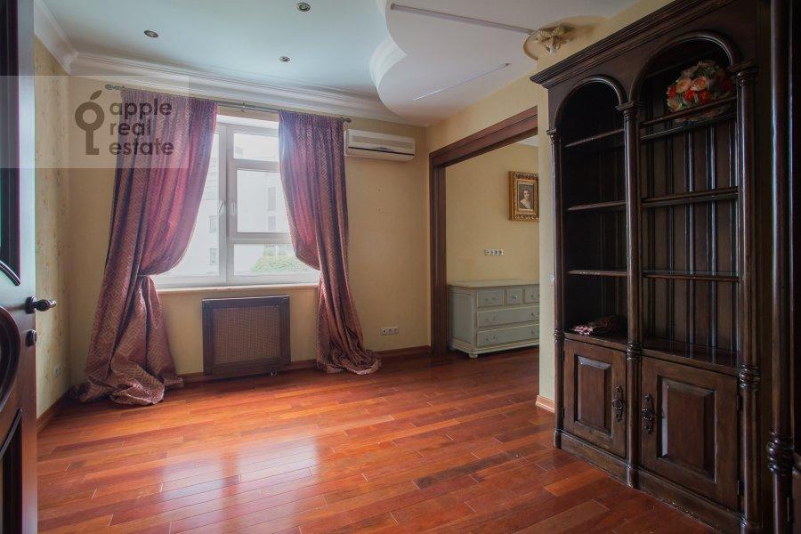 Детская комната / Кабинет в 4-комнатной квартире по адресу Островной проезд, 12К1