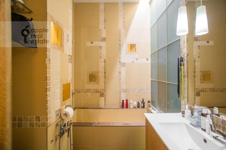 Санузел в 2-комнатной квартире по адресу Дегтярный переулок 15с2