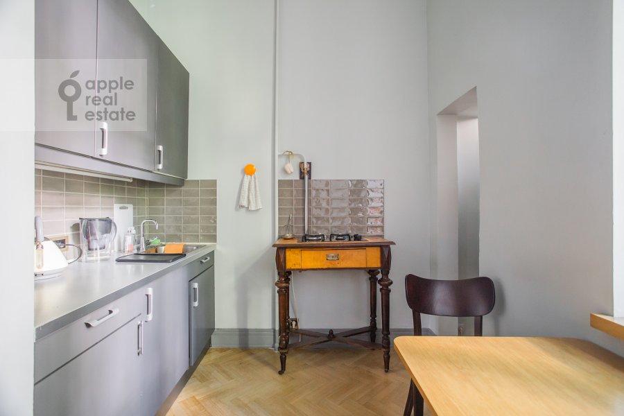 Кухня в 2-комнатной квартире по адресу Дегтярный переулок 15с2