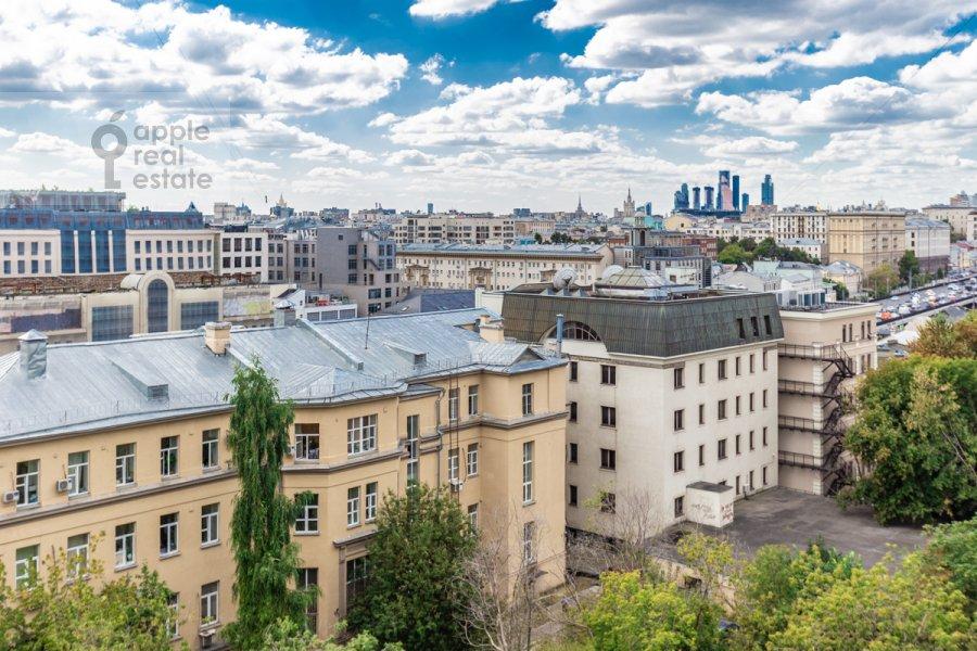 Вид из окна в 1-комнатной квартире по адресу Троицкая улица 10с1