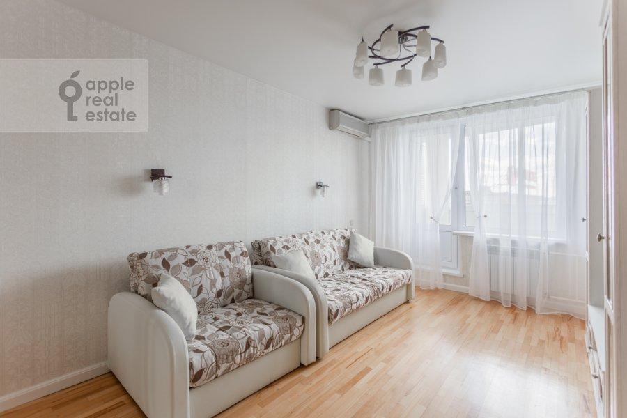 Гостиная в 1-комнатной квартире по адресу Троицкая улица 10с1