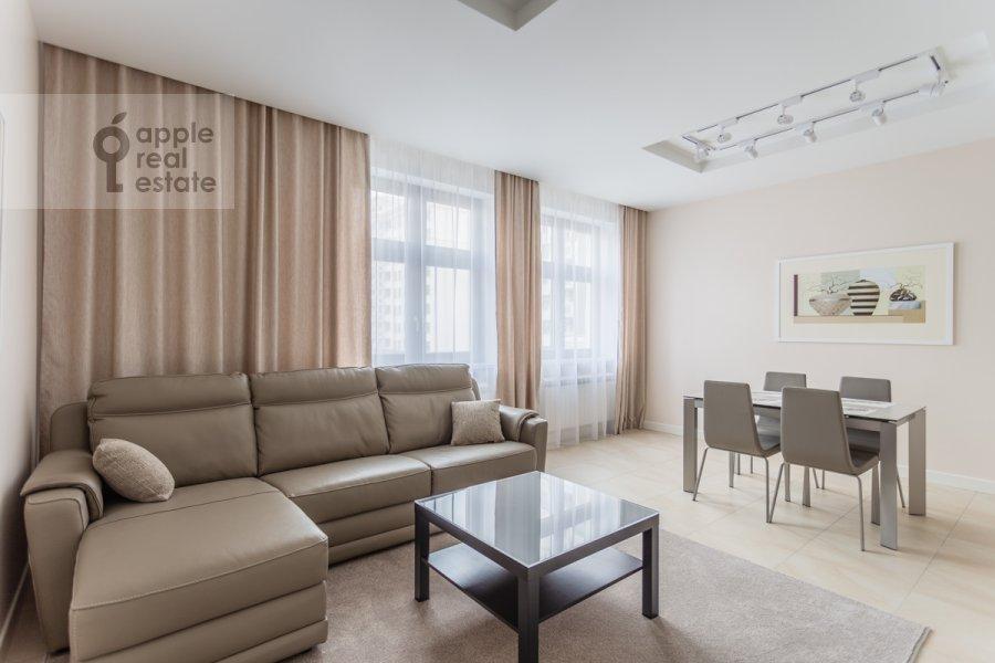 Living room of the 3-room apartment at Serpukhovskiy Val 21k3