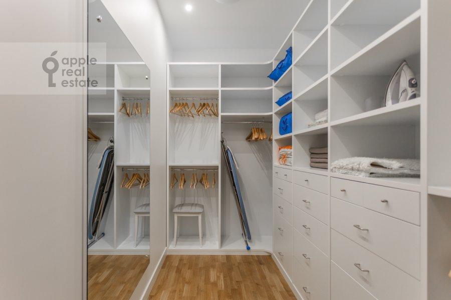 Walk-in closet / Laundry room / Storage room of the 3-room apartment at Serpukhovskiy Val 21k3