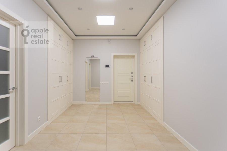 Corridor of the 3-room apartment at Serpukhovskiy Val 21k3