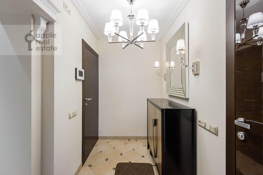 Коридор в 3-комнатной квартире по адресу Гагаринский переулок 27