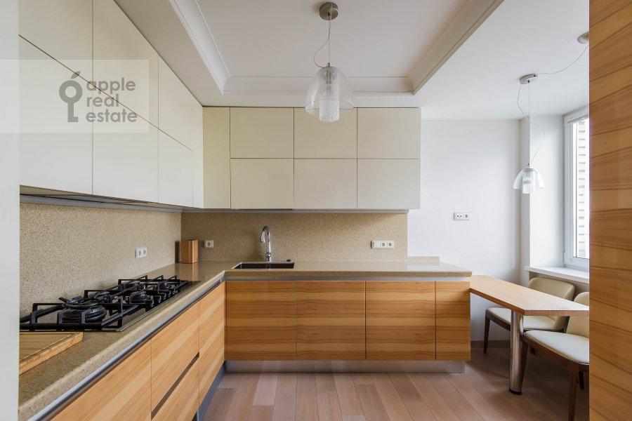 Кухня в 3-комнатной квартире по адресу Гагаринский переулок 27