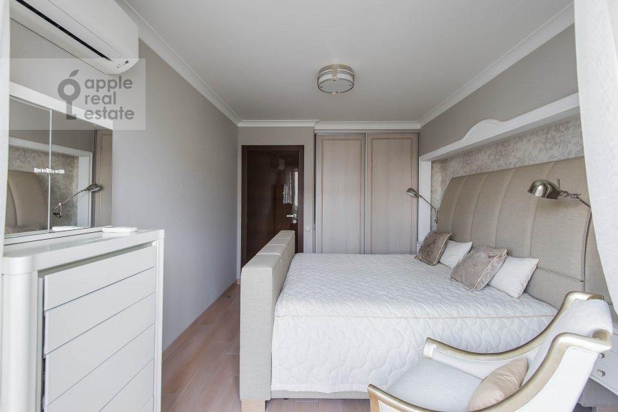 Спальня в 3-комнатной квартире по адресу Гагаринский переулок 27