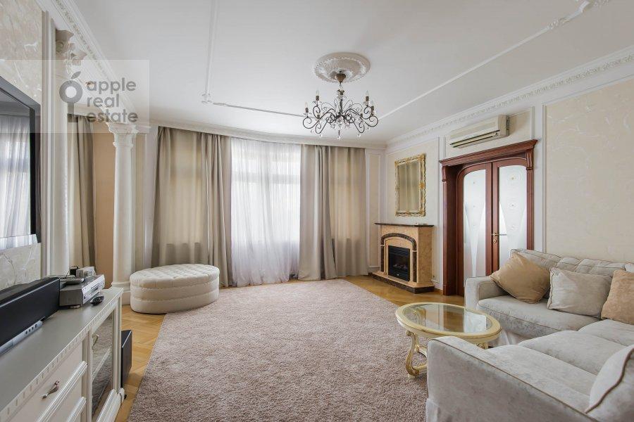 Гостиная в 2-комнатной квартире по адресу Новорязанская ул. 30А