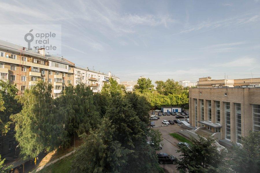 Вид из окна в 2-комнатной квартире по адресу Новорязанская ул. 30А