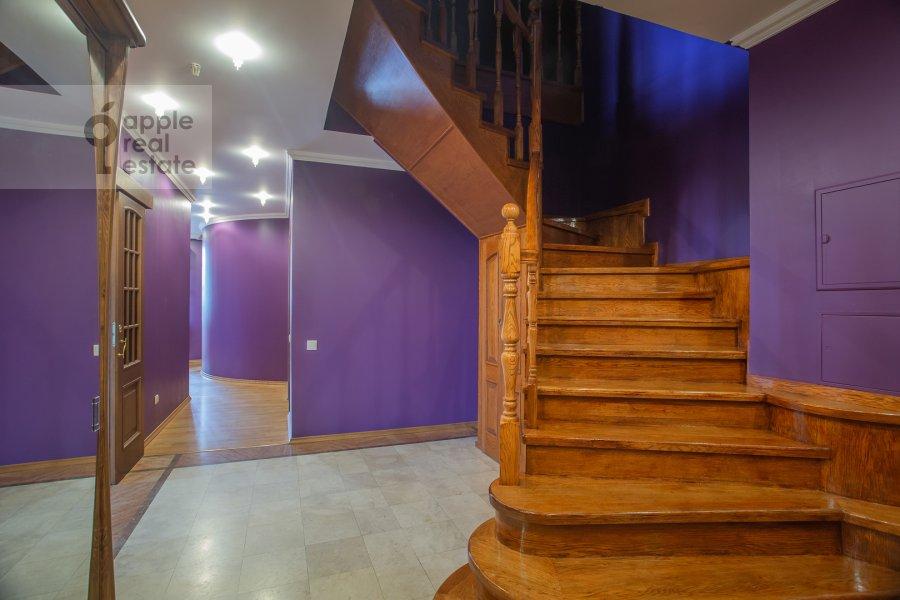 Corridor of the 6-room apartment at Zachat'evskiy 1-y per 6