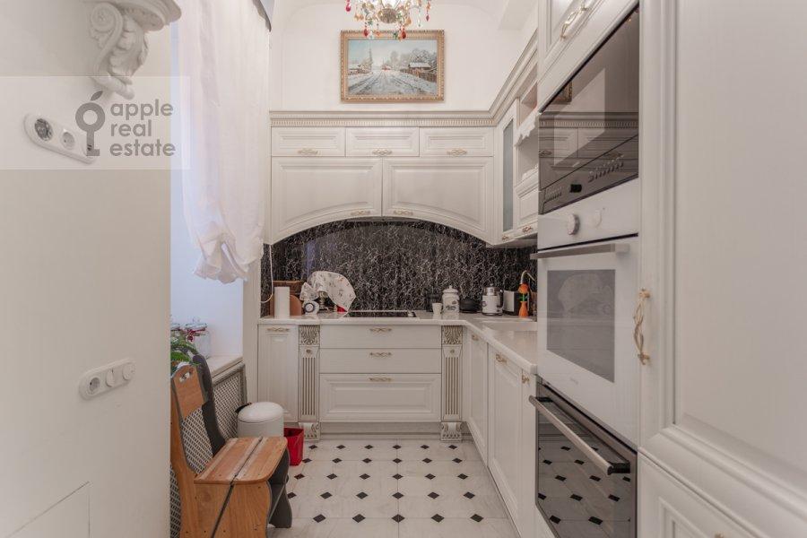 Kitchen of the 5-room apartment at Likhov pereulok 8