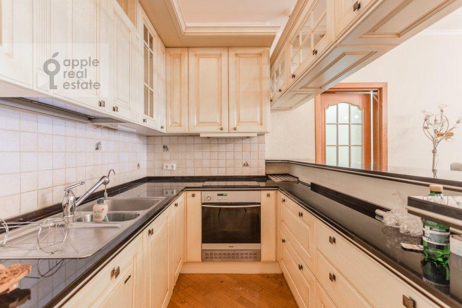 Kitchen of the 5-room apartment at Udal'tsova 85k4