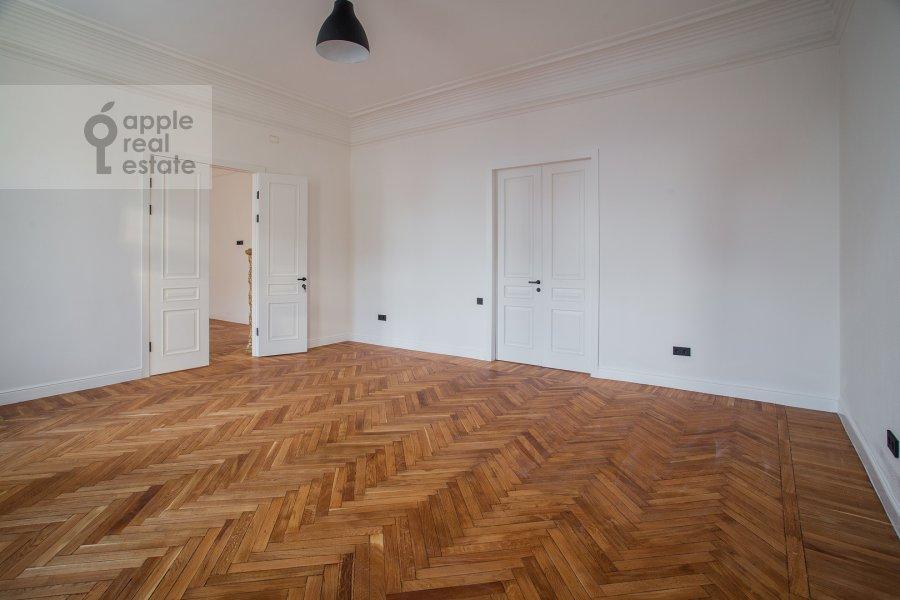 Гостиная в 6-комнатной квартире по адресу Садовая-Кудринская улица 23С1