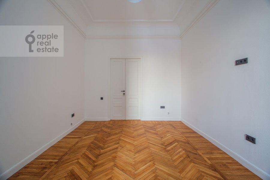 Спальня в 6-комнатной квартире по адресу Садовая-Кудринская улица 23С1