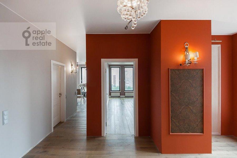 Corridor of the 3-room apartment at Rublevskoe shosse 101