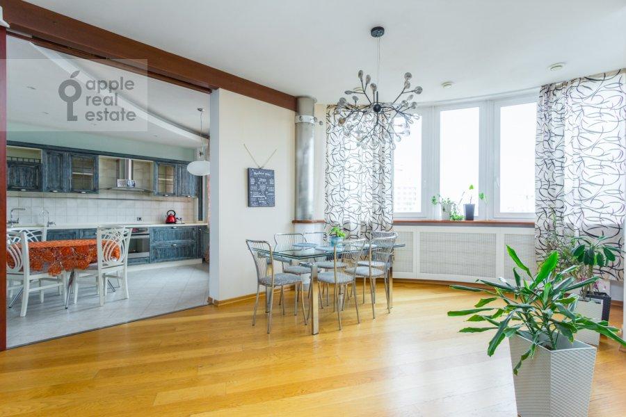 Гостиная в 4-комнатной квартире по адресу Карамышевская набережная 62к1