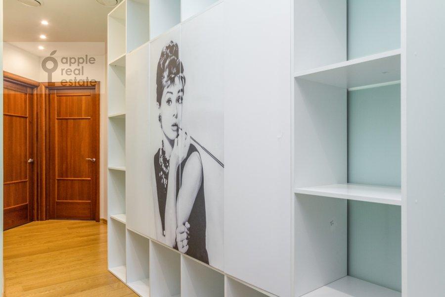 Гардеробная комната / Постирочная комната / Кладовая комната в 4-комнатной квартире по адресу Карамышевская набережная 62к1