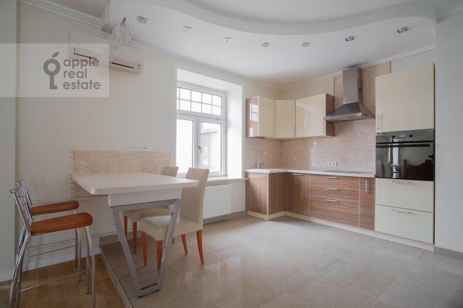 Kitchen of the 3-room apartment at Malaya Ordynka 3