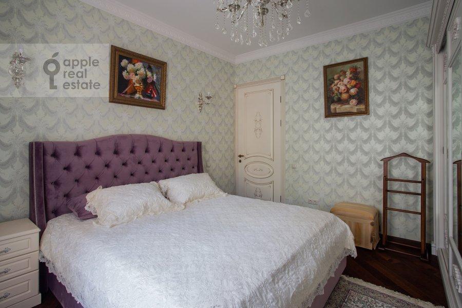 Спальня в 3-комнатной квартире по адресу Лесная улица 63с1