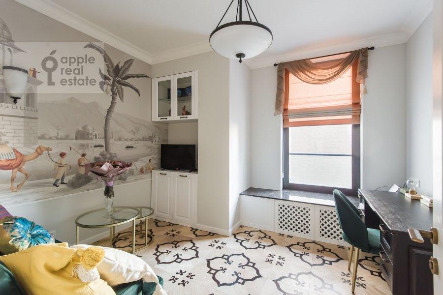 Children's room / Cabinet of the 3-room apartment at Sadovnicheskaya ulitsa 57S2