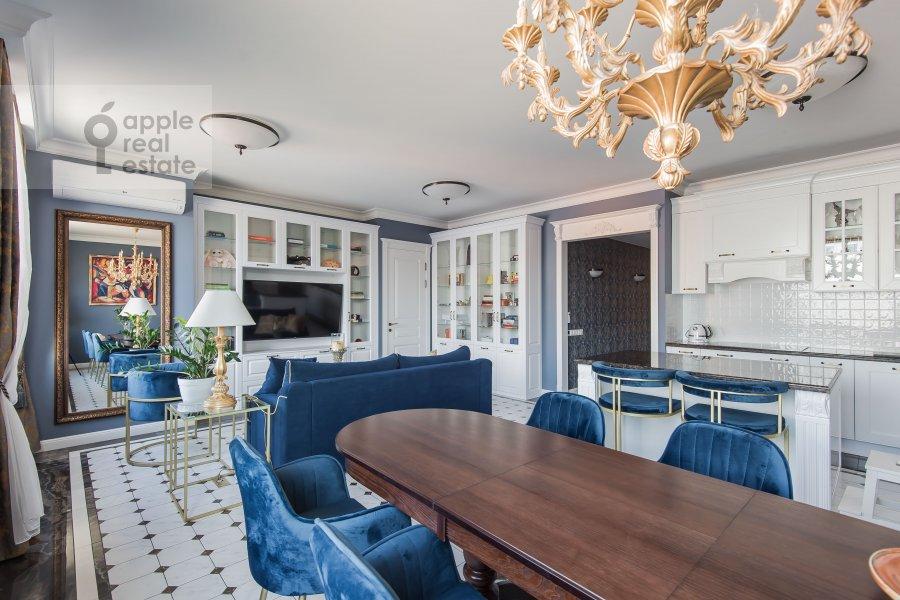 Гостиная в 3-комнатной квартире по адресу Садовническая улица 57С2