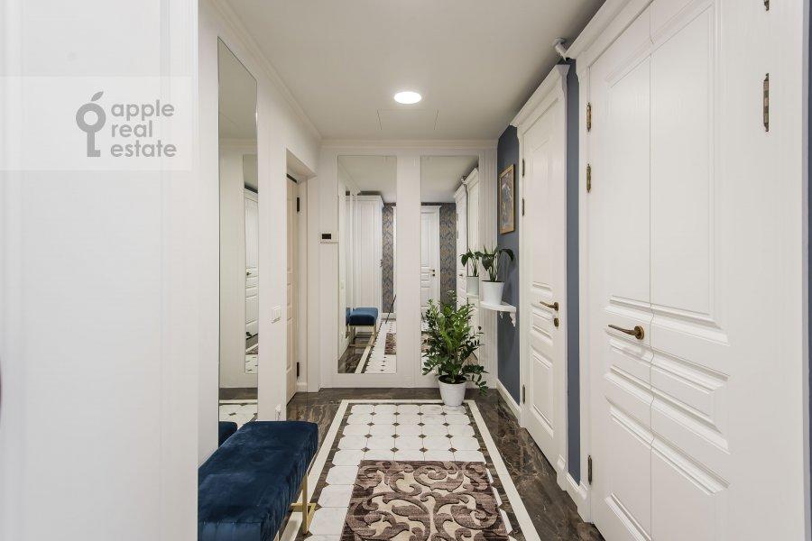 Коридор в 3-комнатной квартире по адресу Садовническая улица 57С2