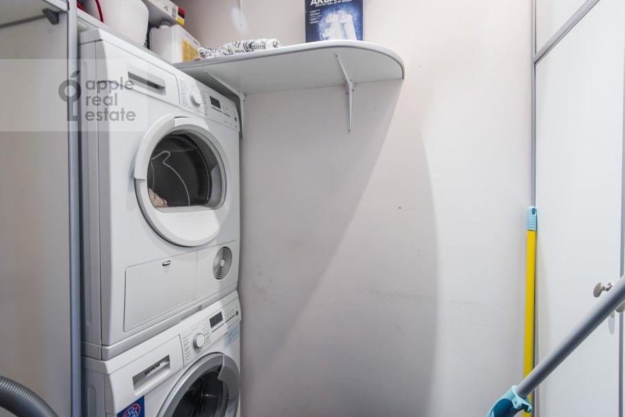 Walk-in closet / Laundry room / Storage room of the 4-room apartment at Udal'tsova 77