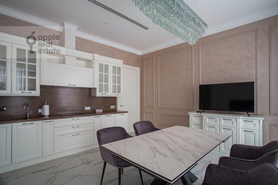 Kitchen of the 4-room apartment at Trubetskaya ulitsa 12