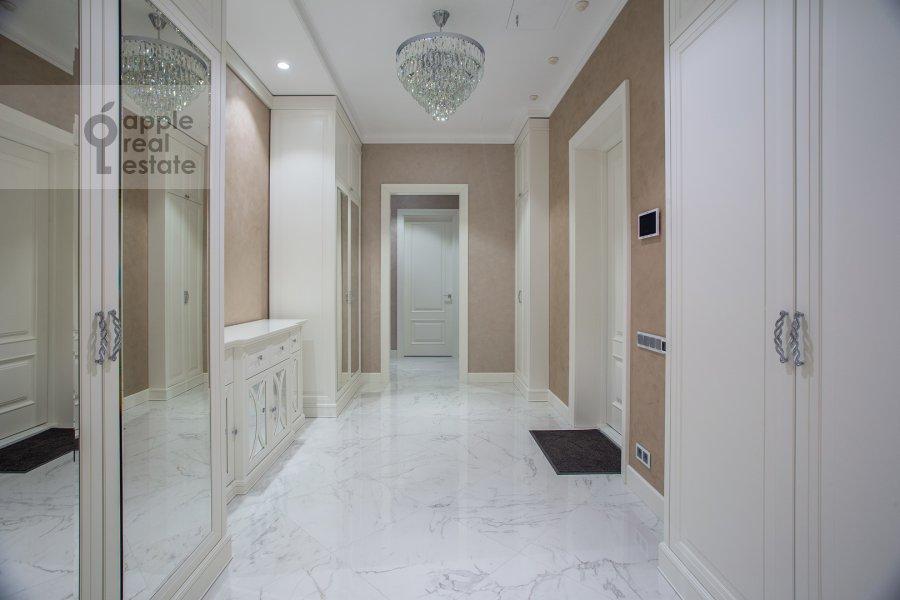 Corridor of the 4-room apartment at Trubetskaya ulitsa 12