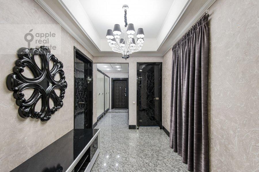 Corridor of the 4-room apartment at Podsosenskiy pereulok 3