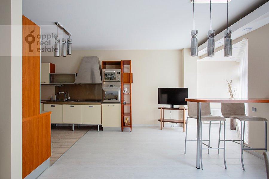 Кухня в 4-комнатной квартире по адресу 4-я Тверская-Ямская улица 22